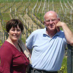 Geneviève et Bernard LAPLACE vignerons coopérateurs  à Jullié